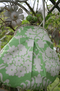 Green and white clutch 1