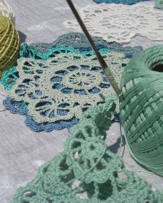 Blue green doilies 1