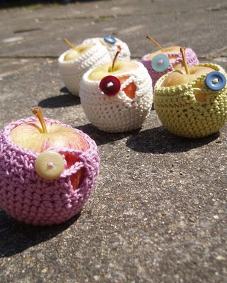 Blossom cosies 2