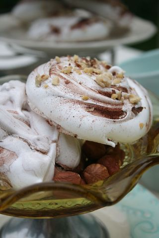 Hazelnut meringue