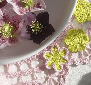 Crochet hellebores